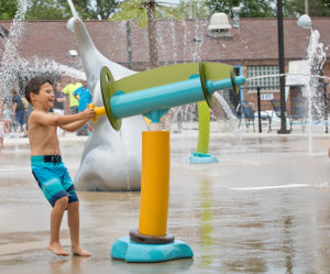 interactive aquatic playground equipment spray feature